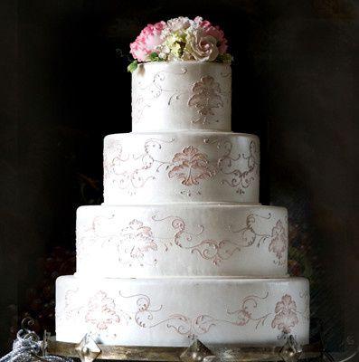 susie 39 s cakes wedding cake houston tx weddingwire. Black Bedroom Furniture Sets. Home Design Ideas