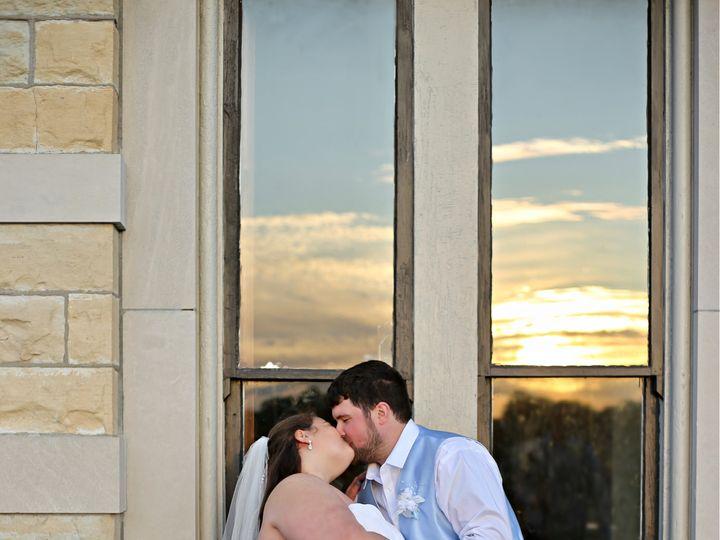 Tmx 121189865 3819221381430073 3515955314943502377 O 51 1987943 160320574420891 Morrison, IL wedding photography