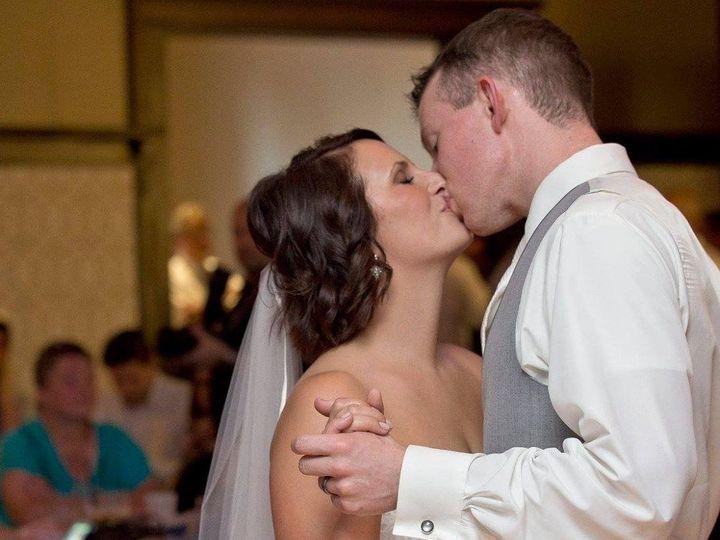 Tmx 1535743316 48d7b1cfbbe89d70 1535743314 Cb8e3994dc9d3104 1535743311168 4 Kissing Dance Fond Du Lac, Wisconsin wedding dj