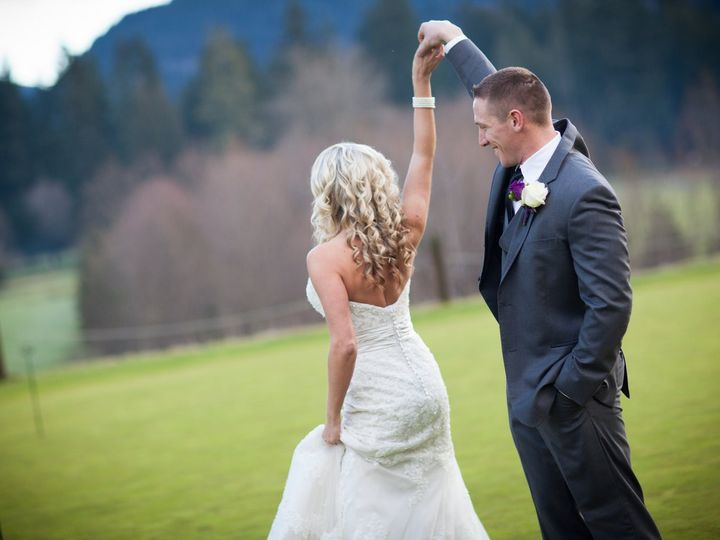 Tmx Erin Tyson Jpg 0140 51 1929943 158080782657334 Portland, OR wedding planner