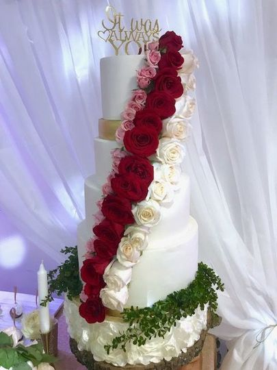 Red roses cascading cakes
