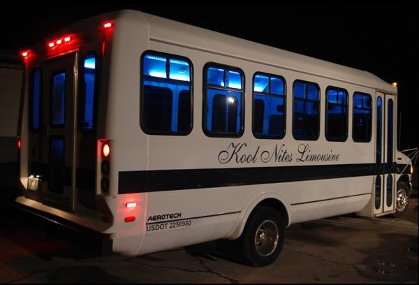 Tmx Mini Bus 600 3 R2 C1 51 103053 1568911847 Blue Springs, MO wedding transportation