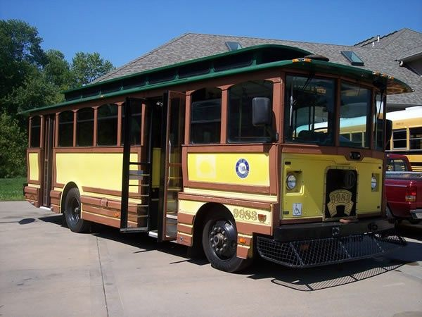 Tmx Trolley 600 4 51 103053 1568911895 Blue Springs, MO wedding transportation