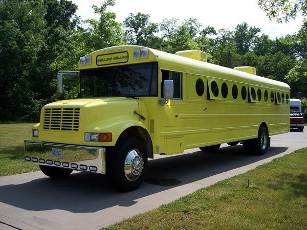 Tmx Yellow Bus 600w 5 51 103053 1568911889 Blue Springs, MO wedding transportation