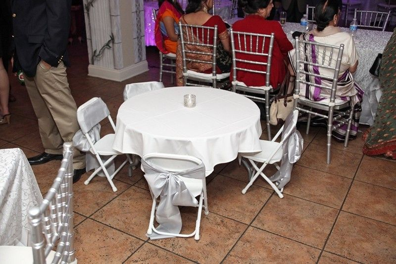 Junior seating table