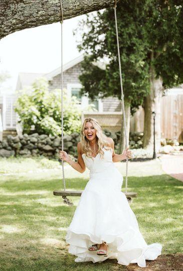 Front lawn swing