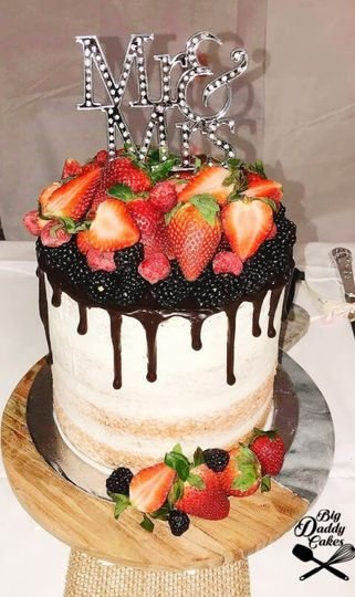Rustic with berries and drip