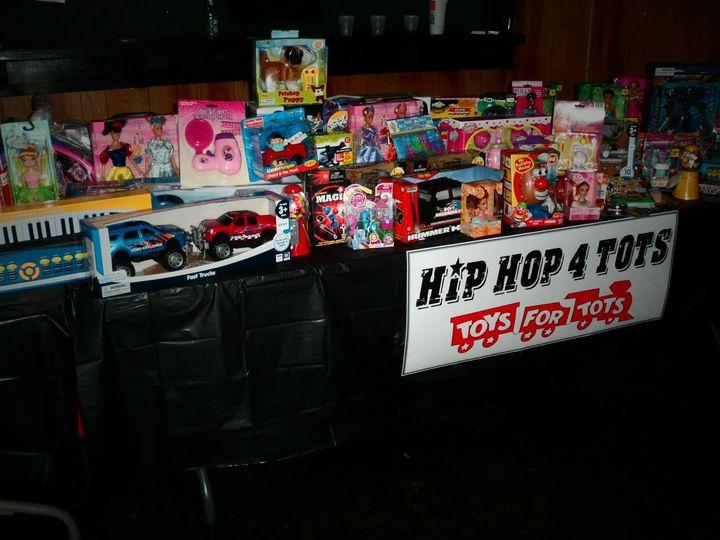 Tmx Toysfortots Toys2012 51 1046053 Louisville, KY wedding dj