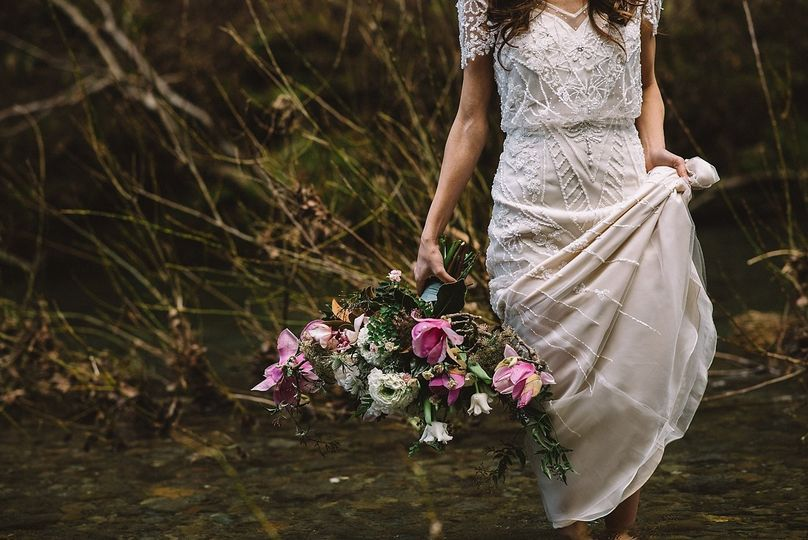 Photo by Levi Tijerina | Winter inspiration in Jenner, California with Venn Floral and E Events Co.