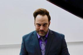 Kevin Starnes, Bass-Baritone