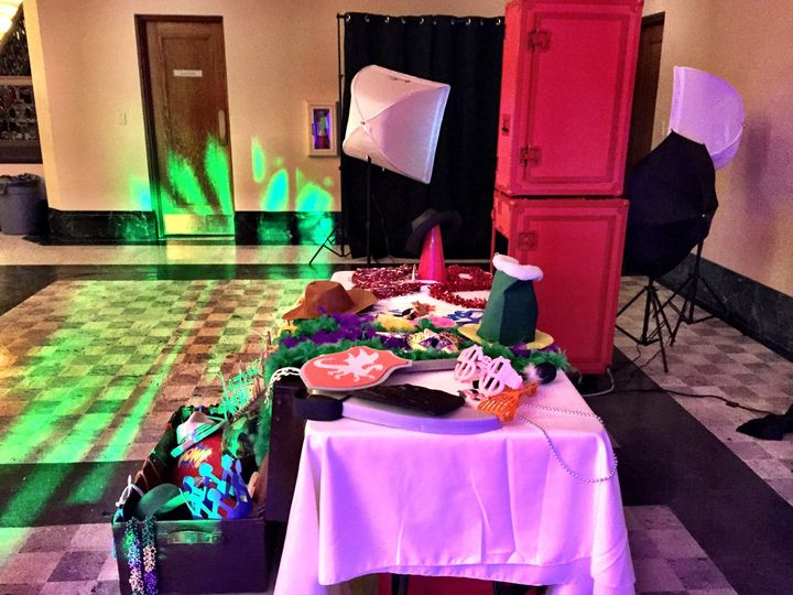 Open Air Photo Booth with over 30 Props for your Special Day Celebrations.