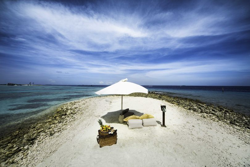 Your own private honeymoon picnic in paradise