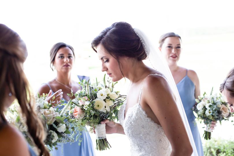 Detail: Bride w Bridesmaids