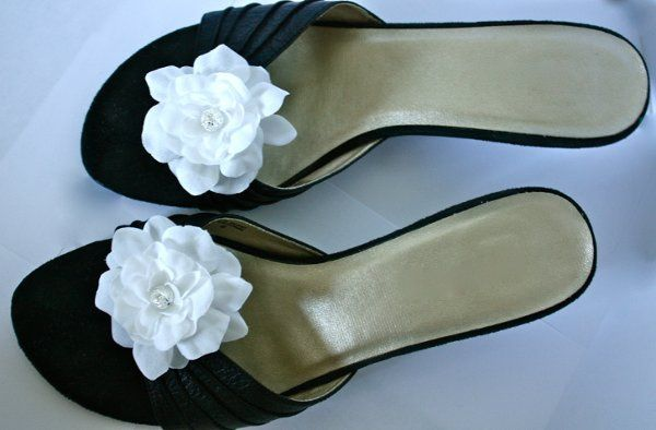 White Flower Shoe Clips (handmade shoe accessory)