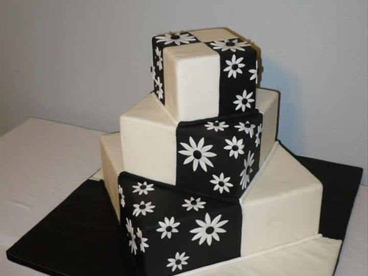 Tmx 1457546162381 Blackwhite3 Jenks wedding cake