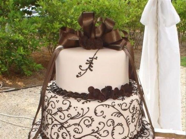 Tmx 1457546165784 Brownscroll Jenks wedding cake