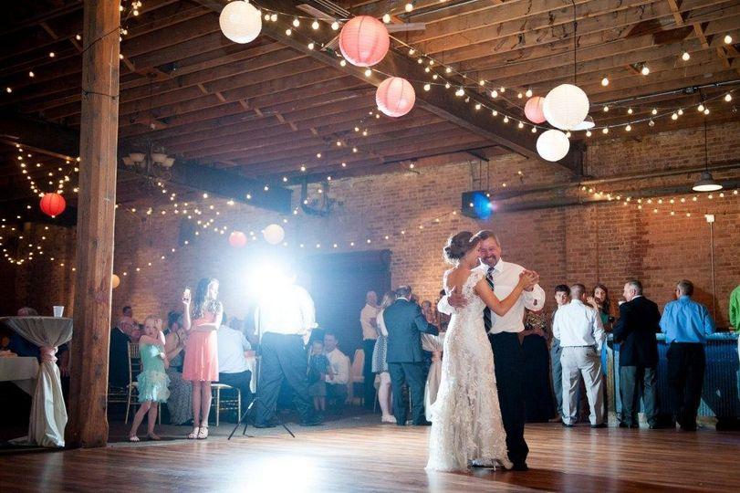holzem wedding color