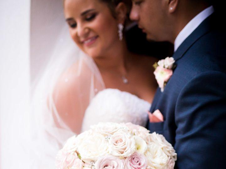 Tmx 1518034443 42054dae9962e5f1 1518034438 28c86501d3b306ea 1518034420882 6 Ramshaw Butts Favo Saint Petersburg, FL wedding florist
