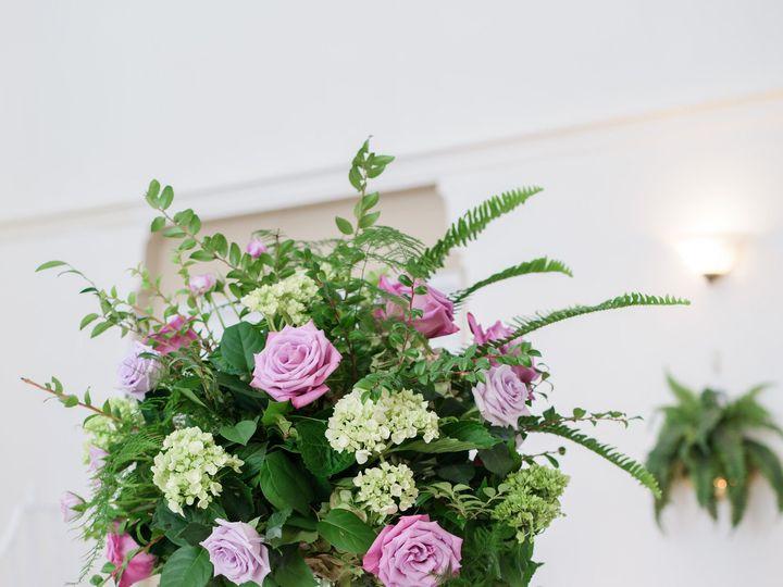 Tmx 1518039993 25e7192d9e4878b9 1518039990 982c85f287d7677b 1518039958742 12 ToussaintWeddingH Saint Petersburg, FL wedding florist