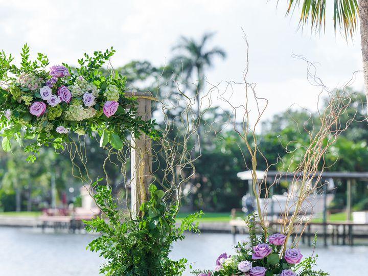 Tmx 1518040095 7cabc17177c5248a 1518040092 38b56b50bd23ba28 1518040082066 17 ToussaintWedding  Saint Petersburg, FL wedding florist