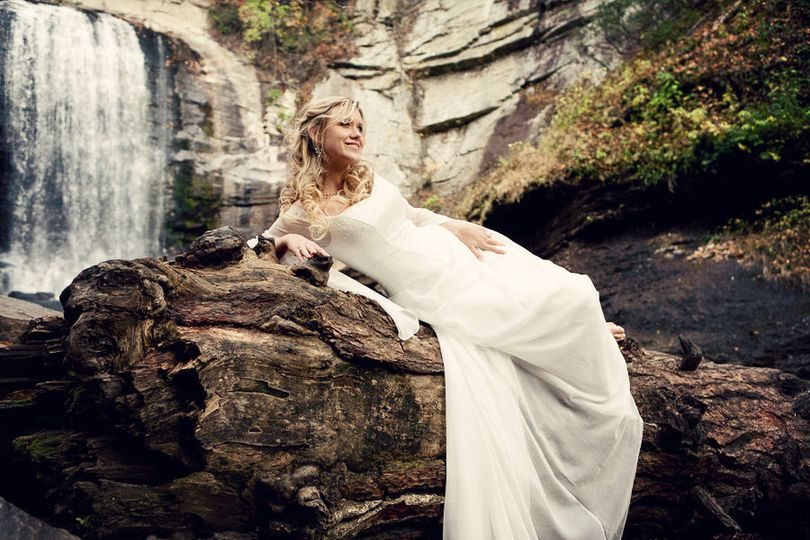e3bc654db467a392 Waterfall Bridal