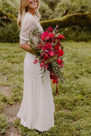 Natural Flowing Bouquet