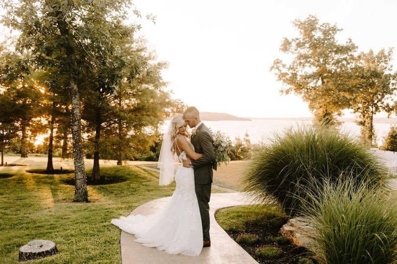 oklahoma tulsa wedding summer bridesmaids pink white bright portraits love ceremony classic golden 51 1108253 159491276478729