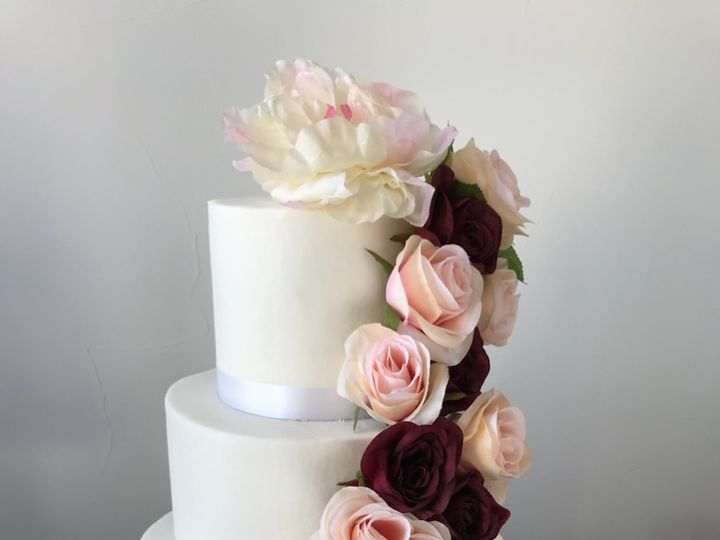 Tmx Reyes Cake 51 148253 Pleasanton, Texas wedding cake