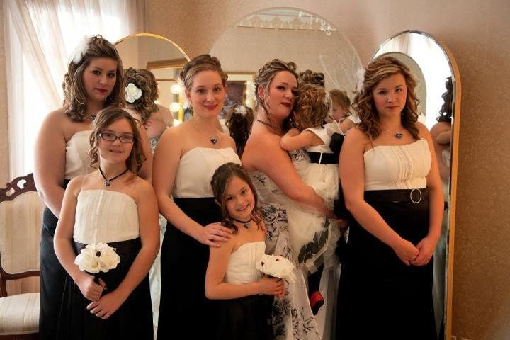 weddinggroup