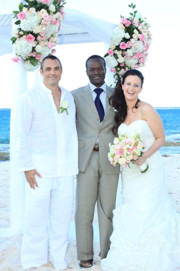 Glenn, officiating at Tony + Laurie's Bahamas beach wedding on Love Beach, Nassau Bahamas