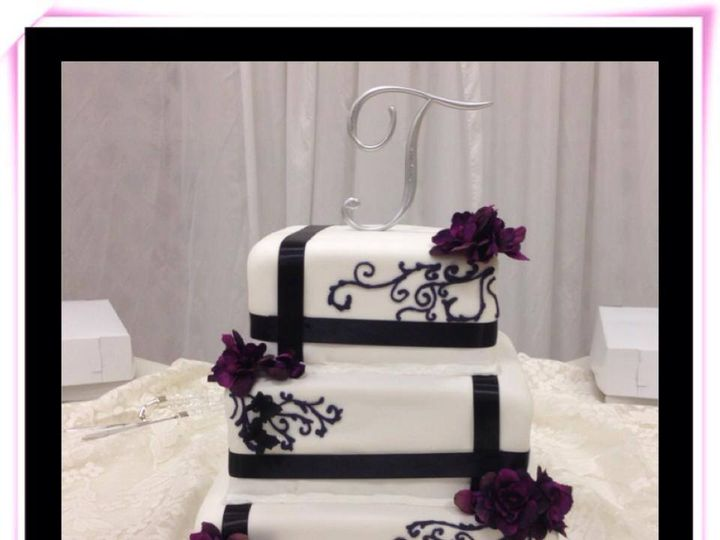 Tmx 10646925 762083180514496 578460128682994093 N 51 723353 Lincoln, Nebraska wedding cake