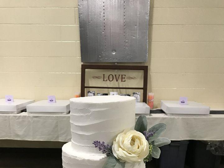 Tmx 1526862543 7faba939ef72fb1a 1526862540 3acfb80a8415d68c 1526862527863 12 3A268AAF 0D4D 453 Lincoln, Nebraska wedding cake