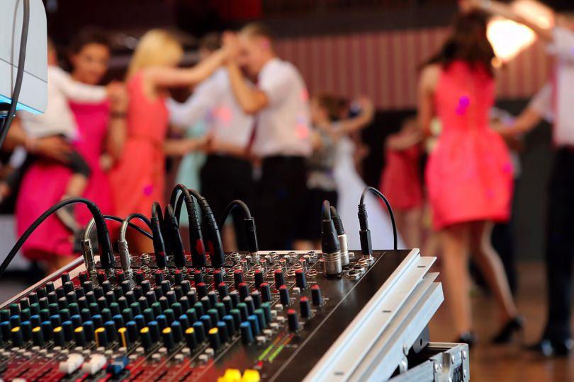 DJ service & live sound