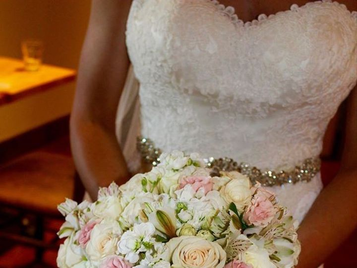 Tmx 1465758388530 120025189704374663456487131519889715910754o Muskego, Wisconsin wedding florist