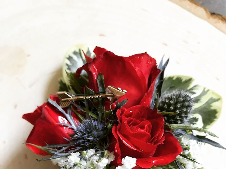 Tmx 1532104800 4073d85f8a4f032d 1532104798 Fff5ab7177853db9 1532104792421 2 IMG 3305 Muskego, Wisconsin wedding florist