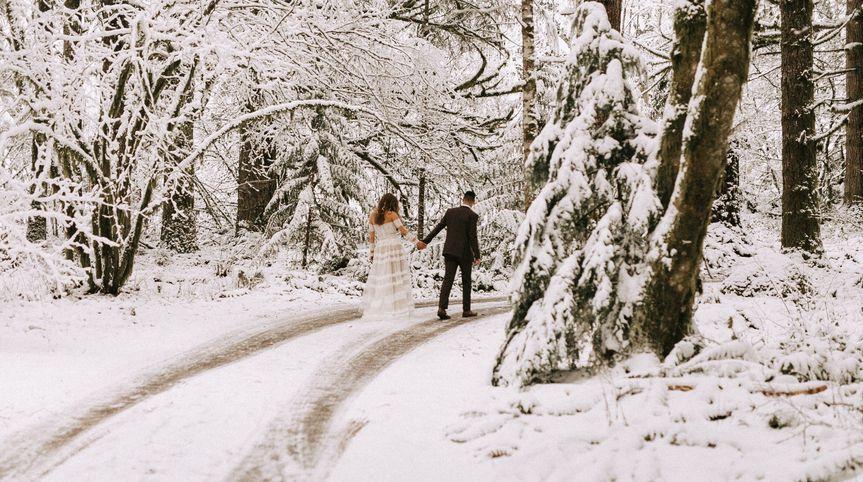walking wedding snow elopement woodlands 1 of 1 51 1069353 1559331729
