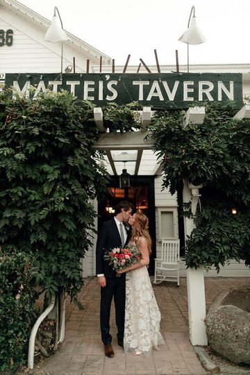 Welcome to Mattei's Tavern - Kenzie Kate Photography