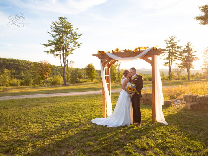 Tmx Img 1 Rob Liz 2020 51 743453 160987175197603 Nashua, New Hampshire wedding photography