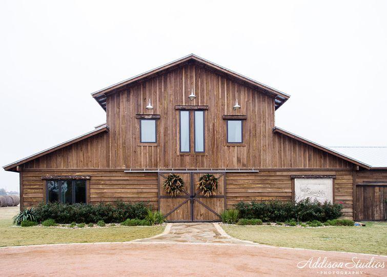 Lone Oak Barn