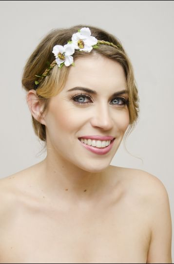 Simple makeup and a flower headband