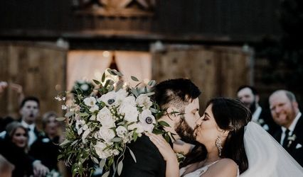 Lace and Love Weddings