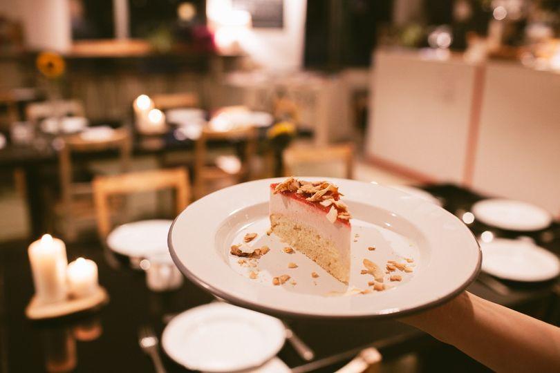 Cake enamel plates