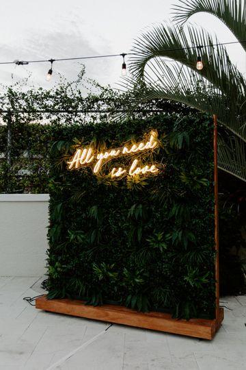 Tropical grass wall
