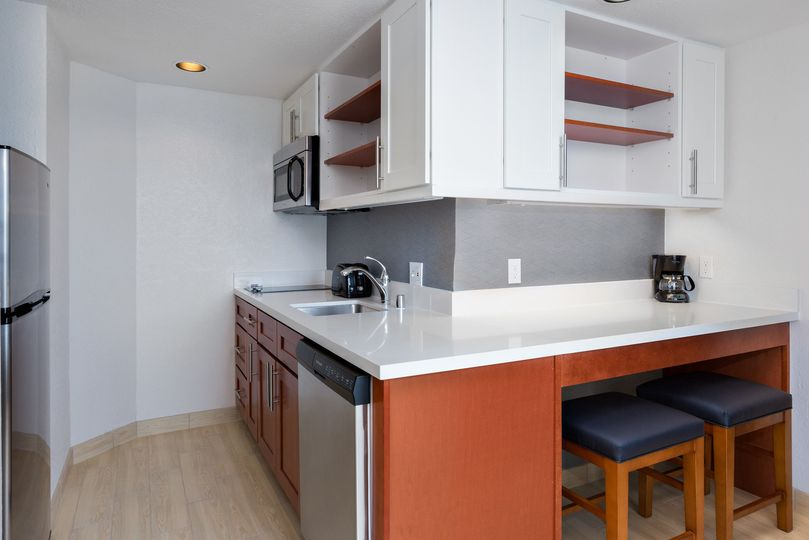Executive King Suite Kitchenette
