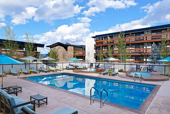Wildwood Snowmass hotel pool