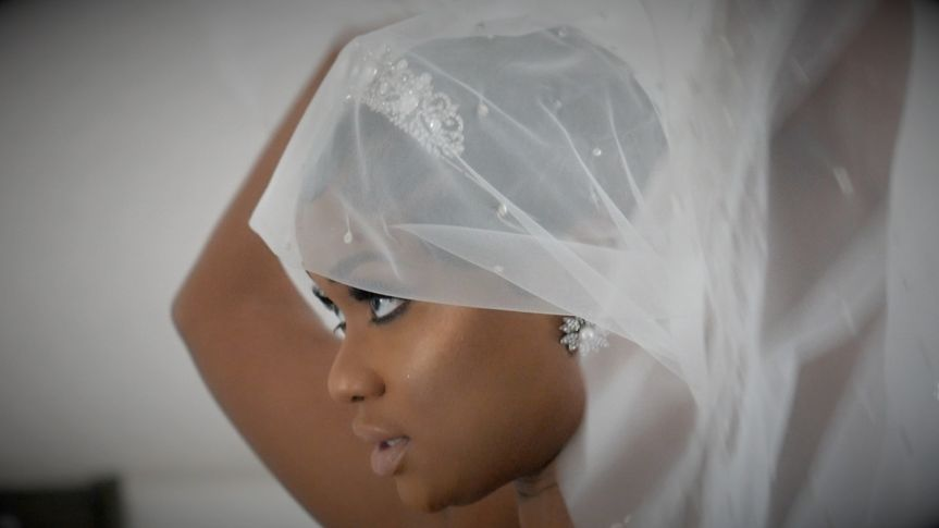 A gorgeous bride in veil