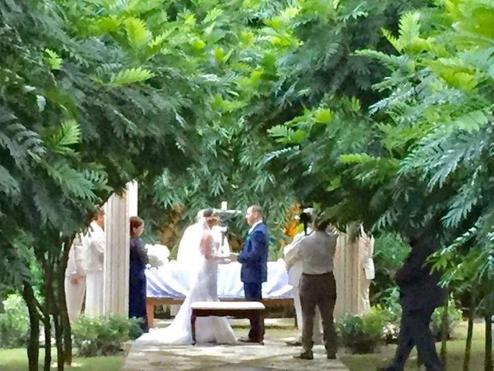 ceremonia de bodas en el jardin secreto