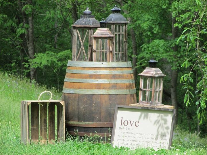 lanterns and barrel