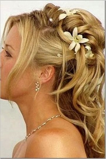 Floral details for hair