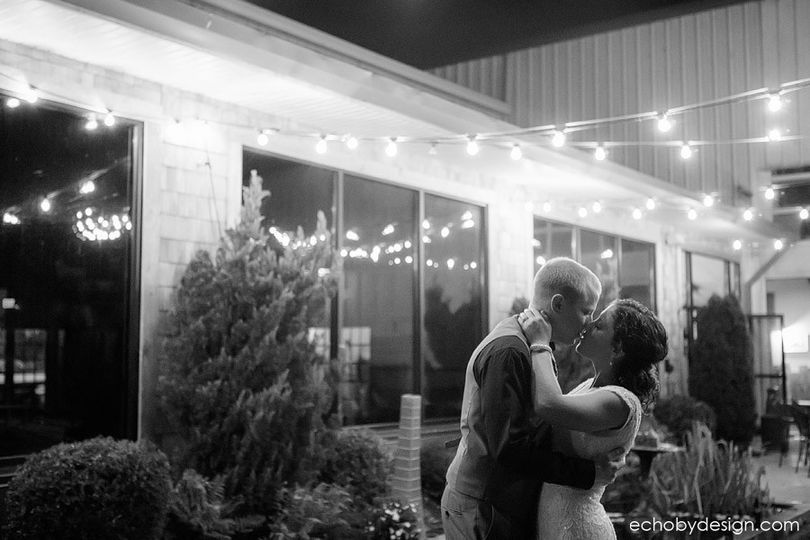 kyleandreamoderndaytonweddingphotographerlymanharb